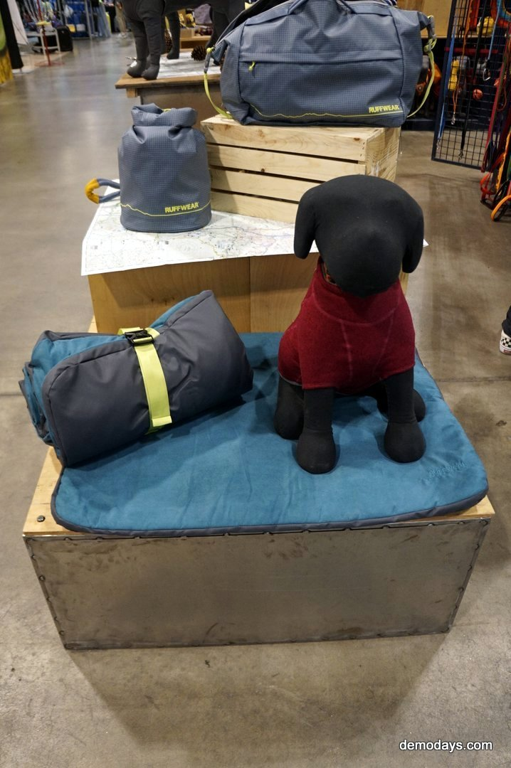 Ruffwear Dog Gear and Clothing, Dog harness, Dog Leash, Dog Collars © All rights reserved 2016 DemoDays.com